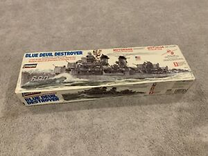 Lindberg blue devil destroyer 1/125 Motorized And Rc Capable Model Kit 70815