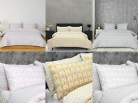 Sleepdown Scallop Polycotton Reversible Duvet Cover Set with Pillowcases