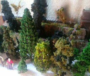 HO Scale Large Lot of Trees and Bushes ***NICE LQQK ***