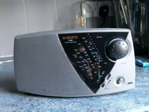ROBERTS CLASSIC R9904 FM/AM/LW RADIO SILVER BLACK PORTABLE MAINS PLUG OR BATTERY