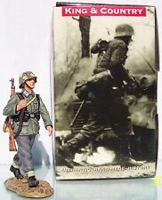KING & COUNTRY WW2 GERMAN ARMY WS096 MARCHING SOLDIER MIB