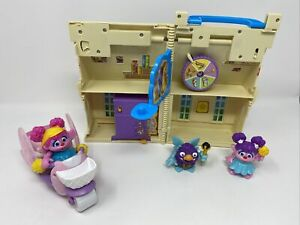 Sesame Street Abby Cadabby Flying Fairy School Playset And Figures