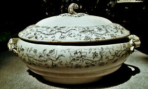 ANTIQUE DOULTON'S ALBANY BLACK AND WHITE CERAMIC TRANSFERWARE TUREEN WITH LID