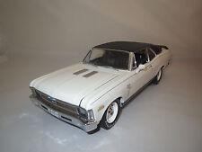 """gmp  Chevrolet  Super  Nova  """"1970""""  (weiß)  1:18 ohne Verpackung !"""