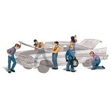 Painted Auto Mechanics (OO/HO figures) Woodland Scenics A1914 free post
