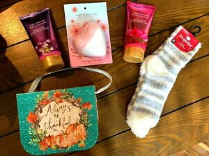 5 Piece Gift Set Perfect For Holiday Host! Lotion Bath Bomb & Slipper Socks NICE