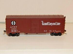 Atlas Master HO #20 004 782 ATSF 40' Postwar Boxcar 6' Door NEW #33904 RTR