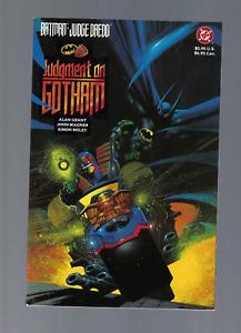 Batman Judge Dredd Judgement on Gotham 1ST PRINT  Graphic Novel 1991 NM+NM