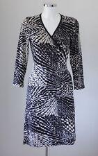 Unifarbene knielange Wickelkleider aus Viskose