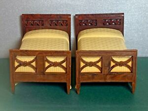 Pair Vintage Matching Renwal Twin Beds Miniature 1:12 Dollhouse Yellow 1940s