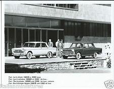 Fiat 2300 1800B lusso de luxe 6 cylindre original press photograph mint