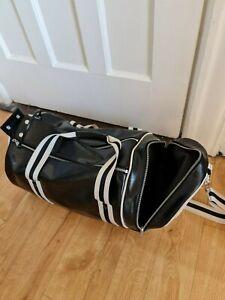 Men's Fred Perry Barrel Bag Black