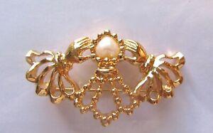 Vintage Avon Pin/Brooch- Claddagh- hands crown- pearl bead-pretty detail