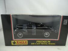 Ford V8 Deluxe Coupe MODELL 01a 1940 schwarz Black 1 18 Eagle Race