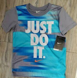 🥇 NIKE Little Boys size 5 T-Shirt Blue