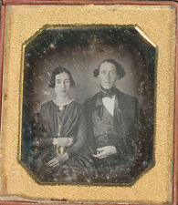 DAGUERREOTYPE EARLY, HUSBAND AND WIFE. TINTED JEWELRY. 1/4 PLATE, HALF CASE.