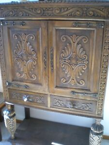 Vintage Dinning room Cupboard (Buffet)