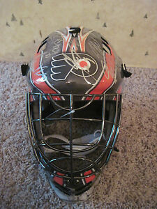 Flyers Team Signed 2015/16 Full sz Goalie Mask:GOSTISBEHERE,VORACEK,SIMMONDS-coa