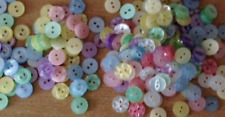 280 BABY BUTTONS SIZE 18 ASSORTED COLOURS AND DESIGNS