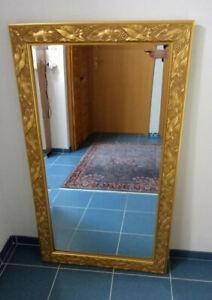 Wandspiegel mit Goldrahmen 70 x 120 cm