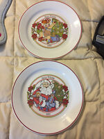 2 VINTAGE CORELLE 1993 AND 1997 HAPPY HOLIDAYS LARGE DINNER PLATES LOT SET DISH