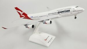 Skymarks SKR1064 Qantas Airways B747-400 Final Flight Desk 1/200 Model Airplane