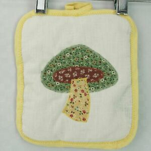 VINTAGE QUILTED MUSHROOM POT HOLDER POTHOLDER TERRY CLOTH TERRYCLOTH RETRO 70'S