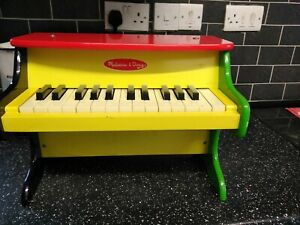 Melissa and Doug Musical Learn-to-play Piano colourful  - Wooden