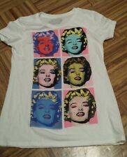 Old Navy Collectabilitees Marilyn Monroe size small. Soft material, flattering