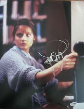 JODIE FOSTER SIGNED 'SILENCE OF THE LAMBS' 11X14 PHOTO AUTOGRAPH PSA/DNA COA