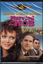 MARRIED TO THE MOB-Mob widow MICHELLE PFEIFFER wants to leave mob life-SPANISH