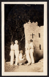 SPOOKY FLASHLIGHT GLOW CAMP GIRLS UKULELE MIDNIGHT SERENADE~ 1920s VINTAGE PHOTO