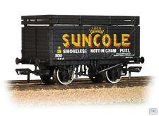Unbranded Painted OO Gauge Model Railway Wagons