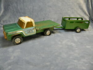 VINTAGE NYLINT PRESSED STEEL NYLINT FARMS CHEVY TRUCK & TRAILER SET PROJECT