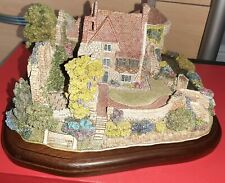Scotney Castle Garden L2103 Lilliput Lane. Ltd Edition. Original box and deeds.