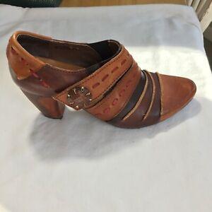 Spring Step L'Artiste Women's Wondrous Heeled Bootie Size: 36 EUR/ 5.5/6 US