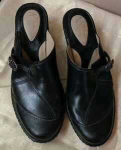 Clarks Artisan Collection BLACK Leather Slip On Buckle Mules Clogs size 8 N