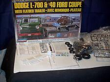 Model Kit Dodge L-700 & 40 Ford Couple with Flatbed Trailer-Avec Remorque Plateu