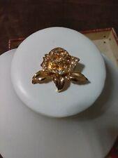Pin Goldtone Floral