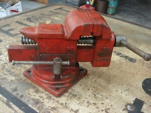 VINTAGE MILWAUKEE V96 SWIVEL ANVIL VISE 3-1/2''JAWS with pipe grips, MADE IN USA