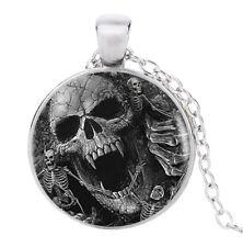 Collier Pendentif imprimé tête de Mort et Squelette, Gothique.