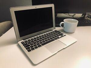 """Apple MacBook Air 11,6"""" (128Go SSD, Intel Core i5 5ème Génération, 1,6 GHz, 4Go)"""