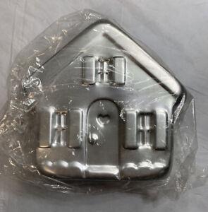 Wilton Vintage Holiday House Cake Pan Baking Mold ©1982  #502-3937  Secure Ship