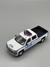 1:64 GreenLight 2015 Chevrolet Chevy Silverado NYPD Police Car