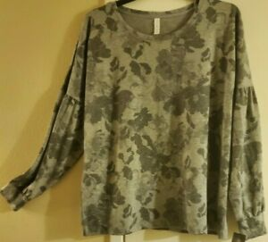 Women's Ideology 2X Sweatshirt Gray Floral
