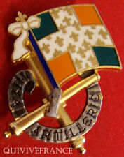 IN6187 - INSIGNE 1° Régiment d'Artillerie, vert translucide, dos doré, 2 anneaux