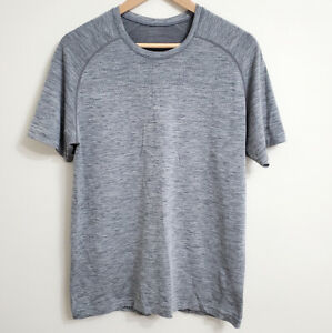 Lululemon Men's Metal Vent Tech Workout T-Shirt Medium Grey Short Sleeve M