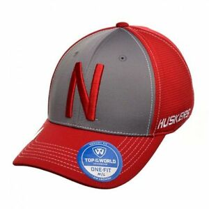 NEBRASKA CORNHUSKERS NCAA (TOTW) DYNAMIC STRETCH CAP HAT SZ M/L NWT RED GREY