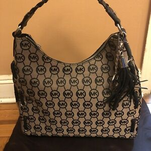 NWT Michael Kors Salinas Monogram Lg Shoulder Bag - Gray / Black Retail $399