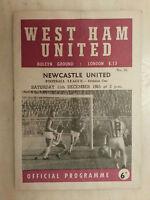 1965/66 Football League WEST HAM UNITED v NEWCASTLE UNITED - 11th December